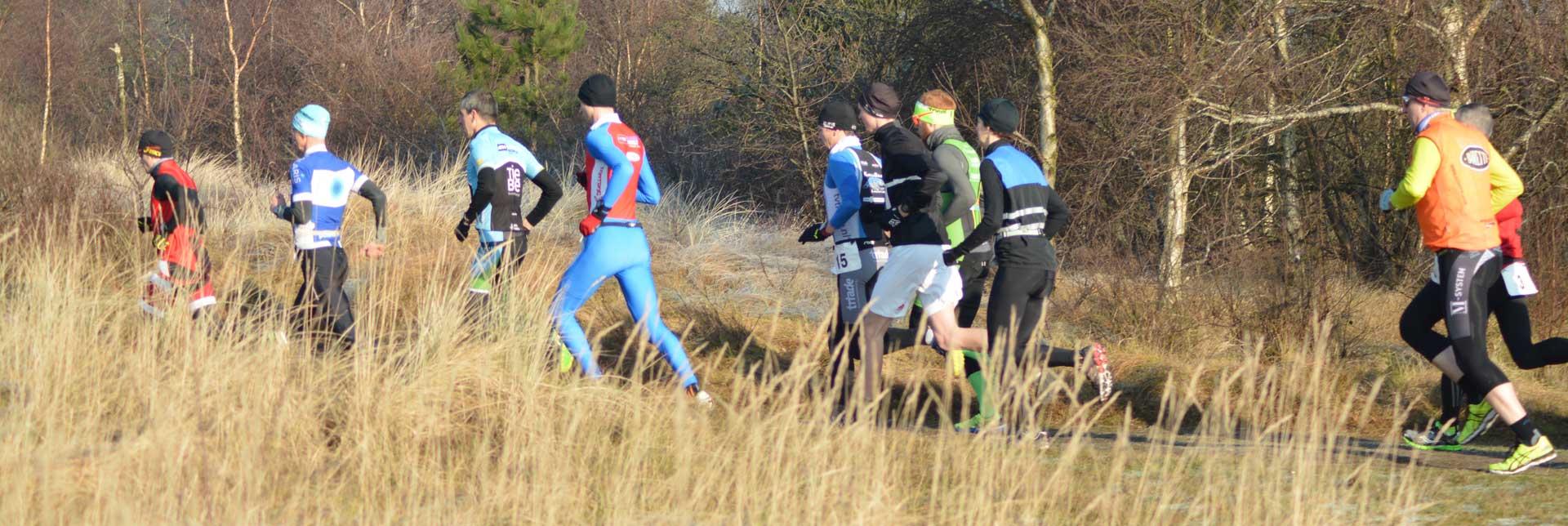 Cross duathlon Ameland persbericht 2018: Deelnemers tijdens het Run onderdeel